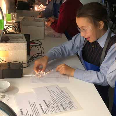 Year-5s-in-Science-labs-2