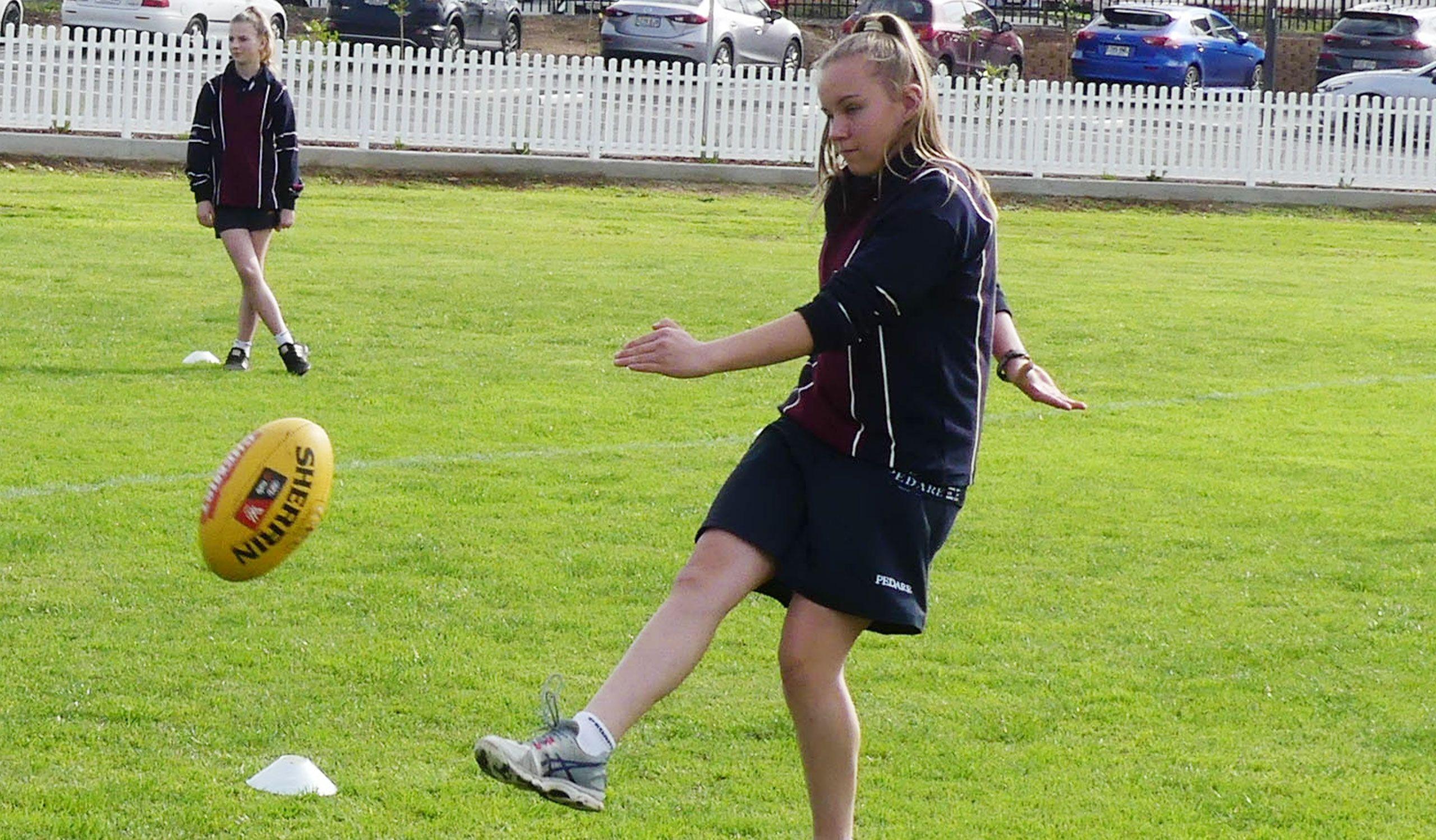 Year-8-Girls-Football-6